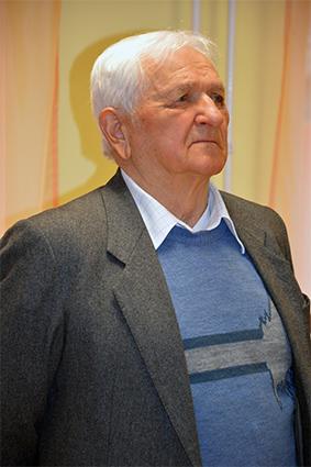 Figura László fafaragó művész